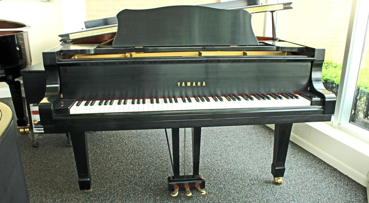 yamaha c7 grand piano used pianos for sale michigan large selection of pre owned pianos. Black Bedroom Furniture Sets. Home Design Ideas