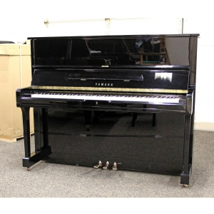 SALE PENDING   ________   Yamaha U1 Upright