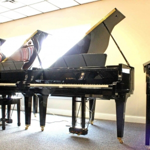 SALE PENDING     ....    5-Foot Player by Kawai