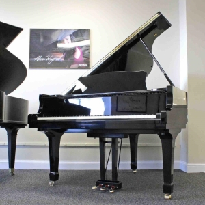 Yamaha 6-Foot, 1-Inch Grand Piano