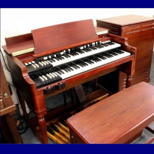 HAMMOND B3 ORGAN WITH LESLIE SPEAKER